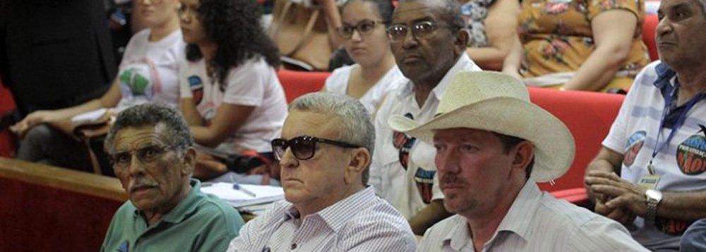 """O presidente do Sindicato dos Urbanitários do Piauí, Paulo Sampaio, falou do sofrimento que o processo de """"privatização"""" tem causado aos servidores da Agespisa, que temem o desmonte da empresa e demissões em massa; """"Não queremos entregar Teresina, o filé mignon da Agepisa, à iniciativa privada, justamente quando a capital registra um enorme crescimento vertical, quando está quase tudo pronto e sem que essa empresa tenha aberto uma vala"""""""