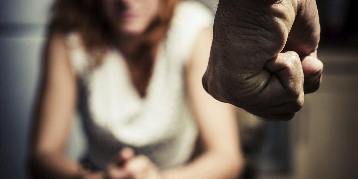 Em Maceió, apenas nos dois primeiros meses deste ano 66 mulheres foram atendidas no Hospital Geral do Estado (HGE) vítimas de violência física e sexual; ainda de acordo com dados do Sistema de Informação do maior hospital de urgência e emergência de Alagoas, em 2016 foram 344 mulheres atendidas na unidade após sofrerem violência