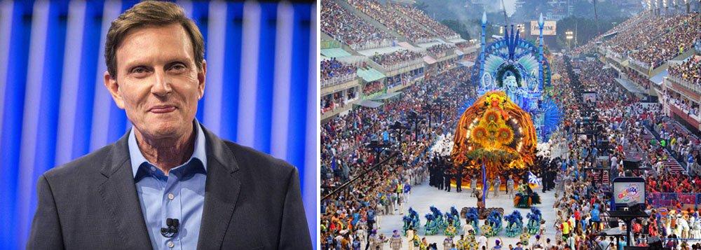 A abertura do carnaval mais importante do mundo não contou com a presença, no Rio de Janeiro, do prefeito Marcelo Crivella (PRB), neste domingo (26), o que significou a quebra de uma tradição; isso já havia ocorrido na sexta-feira (24), quando Crivella não participou da entrega das chaves da cidade ao Rei Momo; o prefeito do Rio é Bispo licenciado da Igreja Universal do Reino de Deus, que é contra a participação de seus fiéis no carnaval