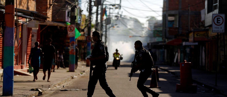 PM no Rio de Janeiro, violência, favela