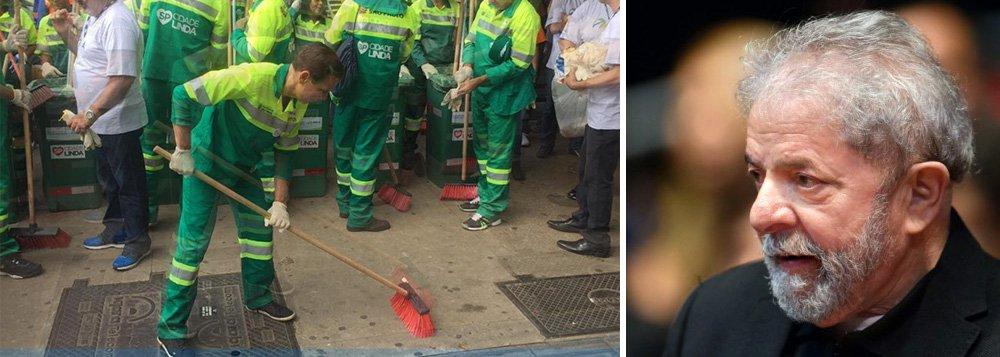 """Um dia depois de uma reportagem que apontou queda na varrição em São Paulo, o prefeito João Doria voltou a se vestir de gari e, novamente, atacou o ex-presidente Lula; """"Estou fazendo o que o Lula nunca fez, trabalhar"""", afirmou; Doria bate em Lula porque sonha em disputar a presidência em 2018, caso Aécio Neves, Geraldo Alckmin e José Serra sejam abatidos pela Lava Jato"""