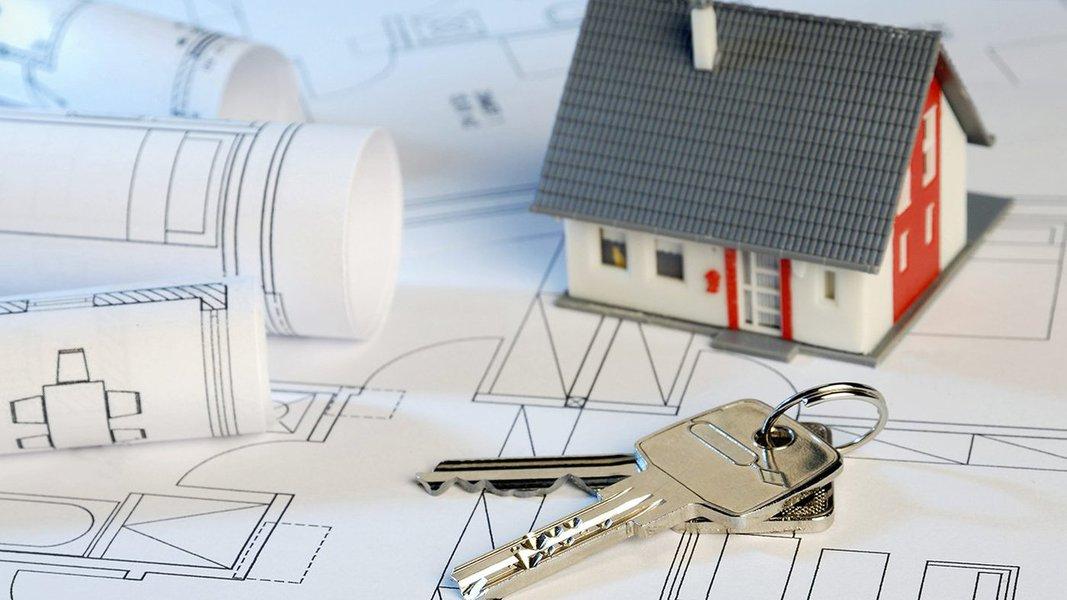 O Conselho Monetário Nacional (CMN) aumentou para R$ 1,5 milhão o valor máximo das unidades habitacionais que podem ser adquiridos pelo Sistema Financeiro da Habitação (SFH), que cobra juros menores que os demais financiamentos de mercado;o novo limite vale a partir da próxima segunda-feira 20