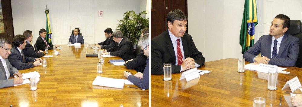 O governador Wellington Dias e o secretário de Estado do Trabalho e Empreendedorismo, Gessivaldo Isaías estiveram em audiência com o ministro da Indústria, Comércio Exterior e Serviços, Marcos Pereira, em Brasília; dentre as pautas tratadas, o fortalecimento da Zona de Processamento e Exportação de Parnaíba (ZPE) e do Instituto de Metrologia do Estado do Piauí (Imepi); na oportunidade, o ministro confirmou que fará uma visita ao Piauí e também ajudará na realização de um evento com possíveis investidores para a ZPE