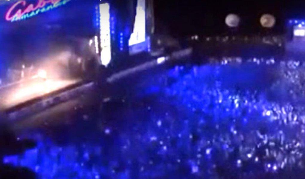 """Durante a apresentação de Lenine e Gaby Amarantos, no principal palco do Carnaval do Recife, no Marco Zero, o público puxou o Fora, Temer; Gaby Amarantos enfatizou seu compromisso com os direitos humanos com um bloco de músicas que continham letras depreciativas à mulher e que foram modificadas; """"Desconstroi esse Tigrão"""", """"a bunda é minha e eu rebolo se eu quiser"""" e """"Não tolero seu assédio"""" foram algumas das mudanças promovidas por ela nas letras"""