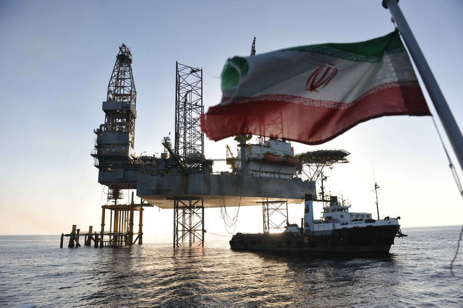 """O Irã encontrou reservas de óleo de xisto de 2 bilhões de barris de petróleo bruto leve na província de Lorestan, disse um alto funcionário da estatal National Iranian Oil Company (Nioc); """"Com base em estudos, estima-se que as reservas de xisto em Ghali Koh em Lorestan cheguem a 2 bilhões de barris de petróleo"""", disse Bahman Soleimani, vice-diretor de exploração da Nioc, à agência de notícias semi-oficial Tasnim"""