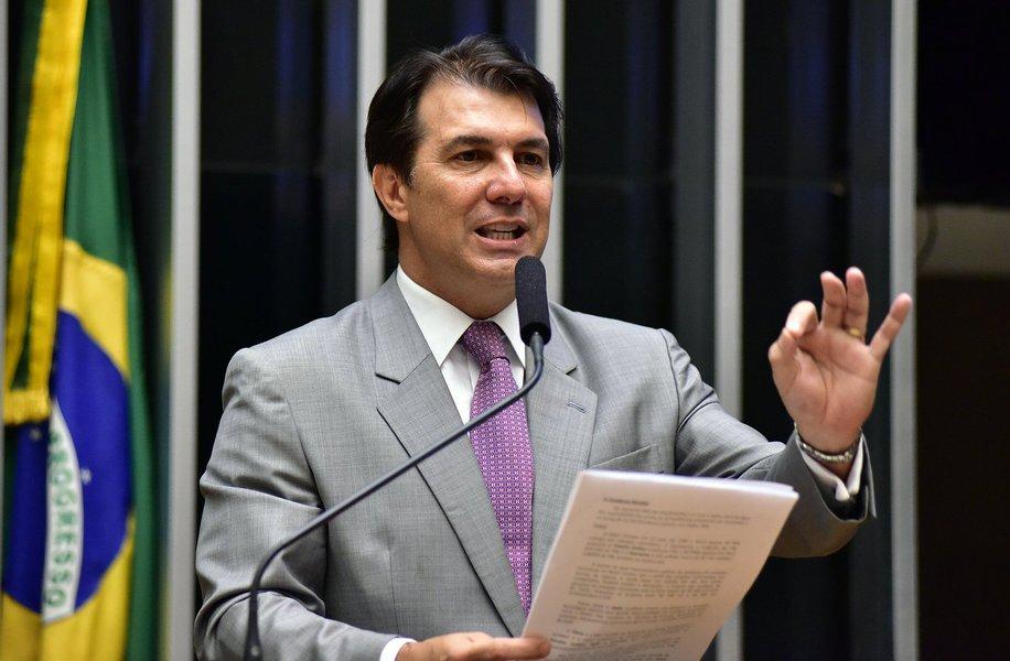 """O relator da reforma da Previdência, Arthur Oliveira Maia (PPS-BA), afirmou nesta quinta-feira que estuda a possibilidade de incluir na proposta uma regra especial para policiais que estejam submetidos a risco; """"Está sendo trabalhada uma possibilidade de aposentadoria especial de que poderemos criar no âmbito da PEC a figura do risco inerente exclusivamente às polícias e àqueles que estão de fato submetidos ao risco"""", disse"""