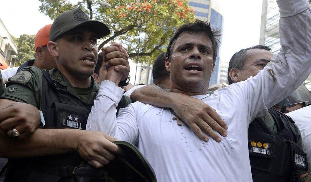 A Sala de Cassação do Supremo Tribunal de Justiça da Venezuela ratificou, nessa quinta-feira (16), a condenação a quase 14 anos de prisão do líder da oposição venezuelana, Leopoldo López, um dia depois de o presidente norte-americano, Donald Trump, ter pedido sua libertação