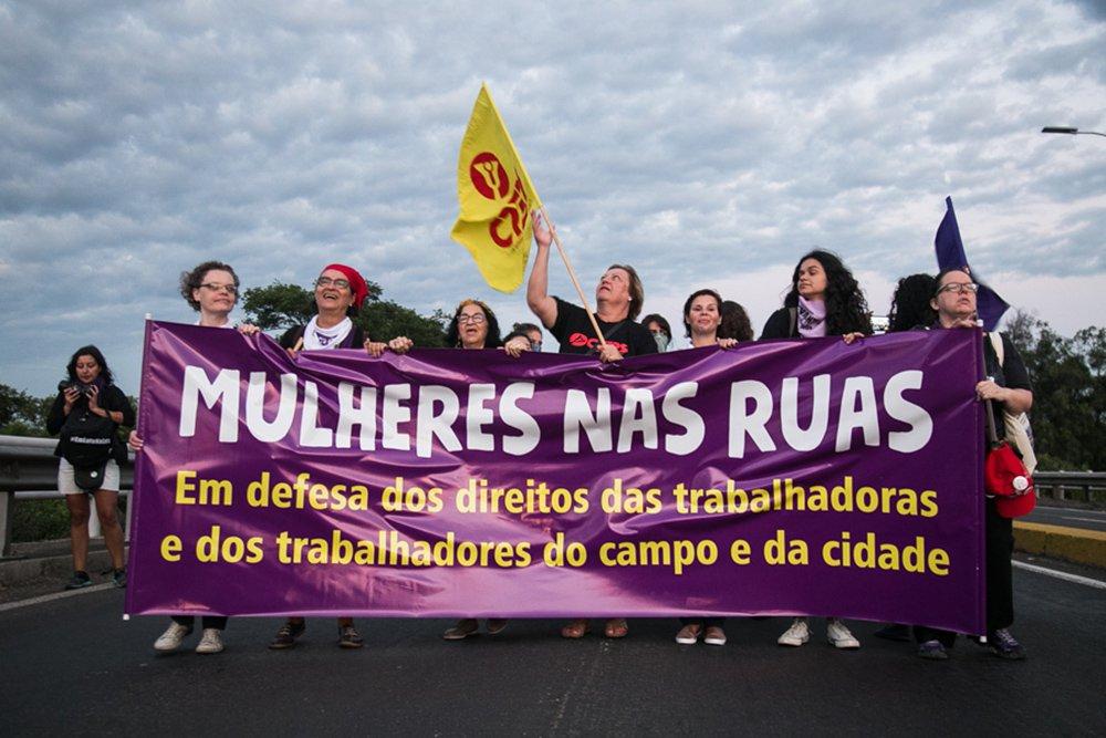08/03/2017 - PORTO ALEGRE, RS - Marcha do Dia Internacional da Mulher. Foto: Maia Rubim/Sul21