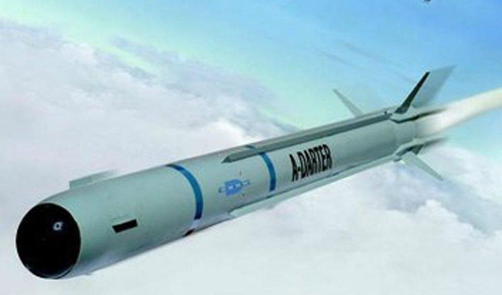 Cerco à Odebrecht coloca sob risco direto, não apenas a construção do futuro submarino nuclear nacional (e de outros, convencionais), mas também a produção dos mísseis A-Darter, destinados aos caças Gripen NG BR, que se encontram em desenvolvimento pela Mectron, controlada pela Odebrecht