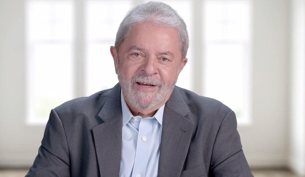 Estratégia do partido é contrapor a Lava Jato e consolidar a candidatura do ex-presidente para 2018, informa a coluna Painel; orientação da direção da legenda foi para todos os diretórios regionais, para que usem a imagem de Lula nas propagandas de TV durante todo o primeiro semestre