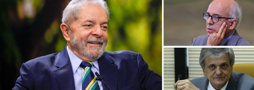 """Os dois antecessores de Rodrigo Janot na procuradoria-geral da República, Cláudio Fonteles e Antônio Fernando de Souza, foram ouvidos hoje em Curitiba na ação sobre o chamado """"triplex do Guarujá""""; os dois destacaram que Lula reforçou o papel dos órgãos de investigação enquanto foi presidente e que jamais se envolveu em atos ilícitos; """"Ambos disseram jamais ter tido conhecimento de qualquer fato que pudesse envolver Lula na pratica de ilícitos. Já são 67 testemunhas ouvidas e nenhuma prova contra o ex-Presidente"""", destaca a defesa do ex-presidente"""
