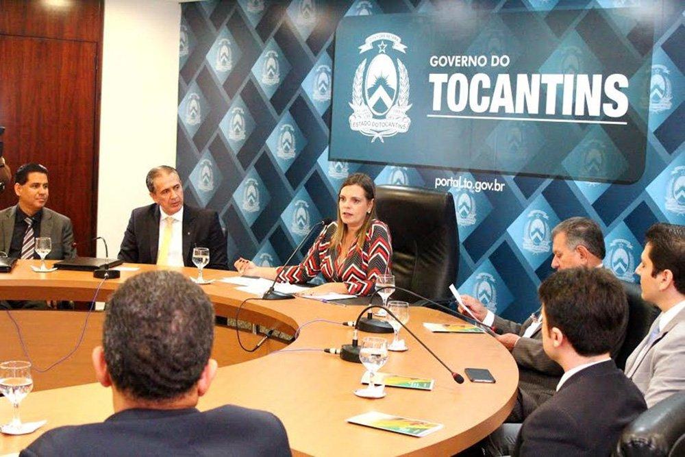 A vicegovernadora, Claudia Lelis, juntamente com o presidente do Banco da Amazônia (Basa), Marivaldo de Melo, assinaram o protocolo de intenções de R$ 964,53 milhões para ações de desenvolvimento sustentável no estado