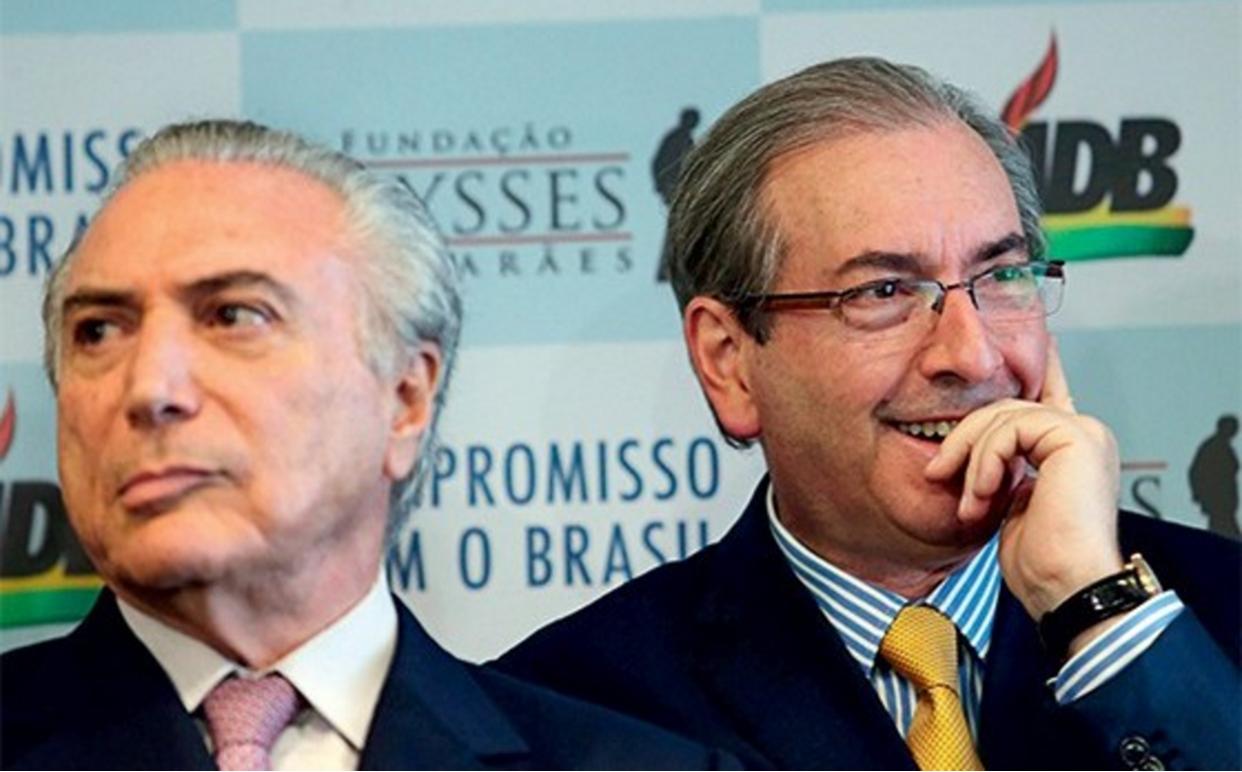 """Jornalista Fernando Brito analisa que, antes, com Lula e Dilma, a """"pressão"""" relacionada a Eduardo Cunha """"era deixar o desgraçado preso até fazer alguma confissão que os tentasse atingir. Agora, é deixar o desgraçado preso se ele falar alguma coisa que atinjaSua Usurpência"""", em referência a Michel Temer; o comentário é sobre uma nota da coluna Painel que afirma que as perguntas feitas por Cunha a Temer podem ser interpretadas como tentativa de influenciar a Lava Jato e usadas como argumento para que ele não seja solto"""