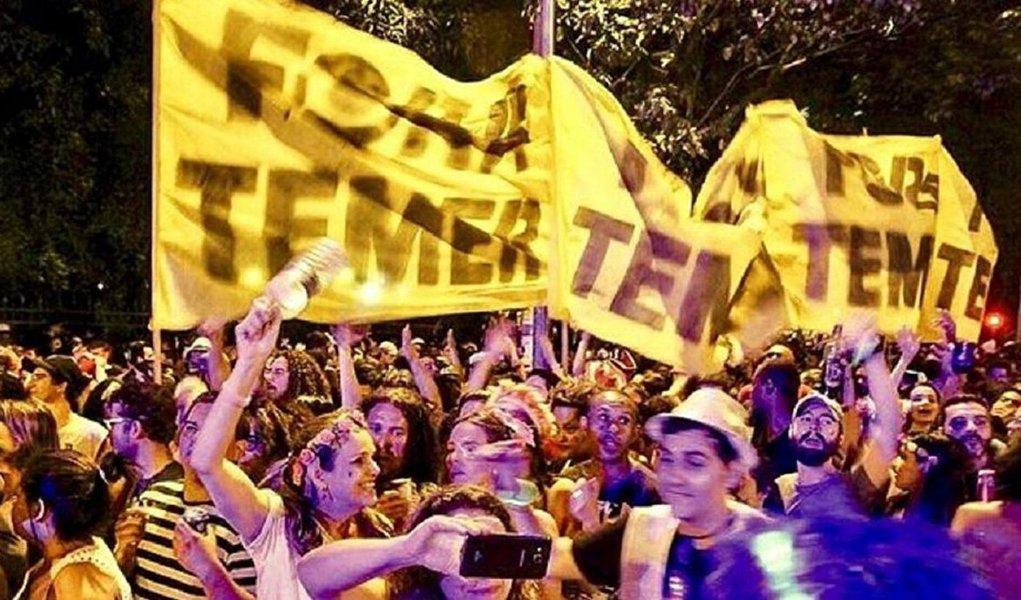 """O carnaval de rua deste ano nem acabou e já entrou para os anais da história popular como o carnaval do """"Fora Temer"""""""