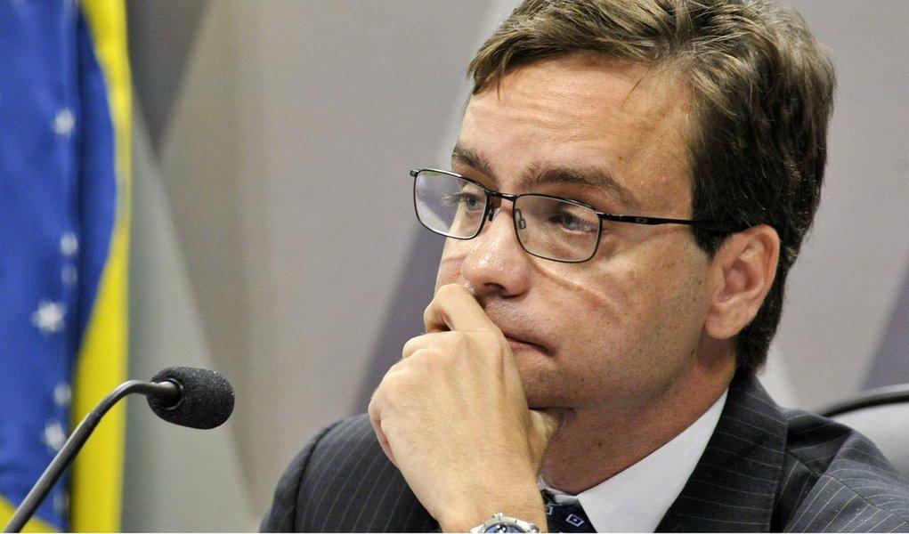 O governo procura um nome para o paralisado ministério desde a licença de Alexandre de Moraes. De repente, por falta de opções Gustavo Rocha pode conquistar o seu objeto de desejo profissional