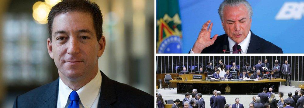 """""""O aspecto mais marcante dos últimos dois dramáticos anos na política é que o áudio de Jucá – outro dos aliados mais próximos de Temer – no qual ele descreve claramente os reais motivos e objetivos do afastamento de Dilma, foi revelado em meio à crise do impeachment. Remover Dilma, disse Jucá pensando que falava em segredo, permitiria um 'pacto nacional' – endossado pelo STF, a mídia corporativa e os militares – através do qual a investigação seria liquidada, e o país poderia seguir em frente"""", escreve o jornalista Glen Greenwald, editor do The Intercept Brasil"""