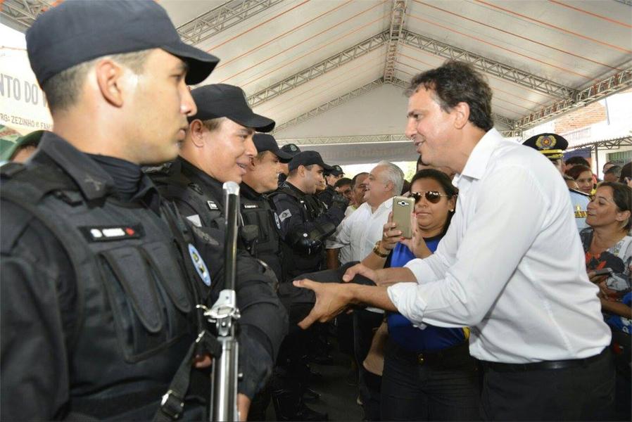 O terceiro município acima de 50 mil habitantes a receber uma base fixa do Batalhão de Policiamento de Rondas e Ações Intensivas (BPRaio) será Maranguape, na Região Metropolitana de Fortaleza. O governador Camilo Santana (PT) participa da solenidade de apresentação neste sábado (18). Serão 37 policiais, 16 motos e uma viatura