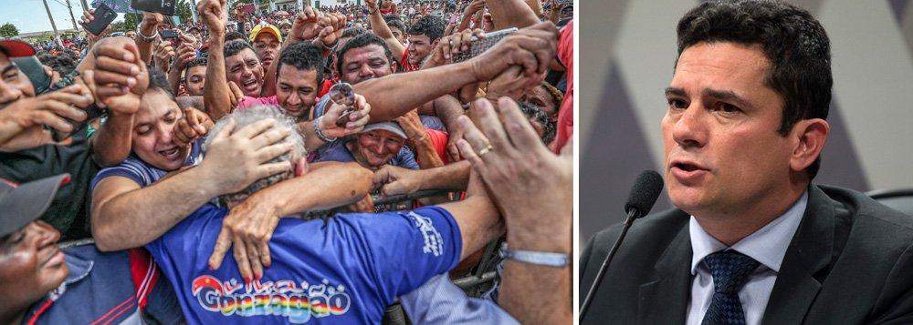 """""""Três anos após seu início, a Operação Lava Jato já deixou bem claro sua disposição em encurralar o ex-presidente Lula e varrer o PT do mapa. Nesse período, os investigadores limitaram-se a ligar Lula a contas correntes que nunca apareceram, imóveis e terrenos que nunca estiveram em seu nome e agora chegaram ao ponto de questionar a possibilidade de sua nomeação para um cargo de ministro no governo Dilma, como se a decisão pessoal da então presidente eleita fosse algo ilegal"""", diz a senadora Gleisi Hoffmann (PT-PR); """"Daí que já se pode prever o que teremos adiante. A 13ª Vara da Justiça Federal irá condenar Lula quantas e tantas vezes tiver de julgá-lo e, para isso, não se furtará de atropelar o devido processo legal e as garantias constitucionais que tiver pela frente"""""""