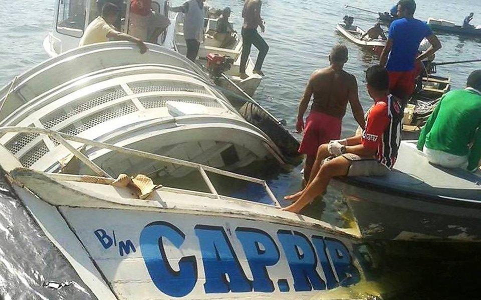 Secretaria de Segurança Pública do Pará (Segup) confirmou que já foram encontrados 21 corpos de vítimas do naufrágio do navio Capitão Ribeiro ocorrido no rio Xingu, no Pará, na noite de terça-feira (22); segundo os responsáveis pela embarcação, 48 estavam pessoas a bordo no momento da tragédia;equipes mantiveram as buscas às vítimas até o fim da tarde de ontem (23), e foram retomadas hoje (24) cedo