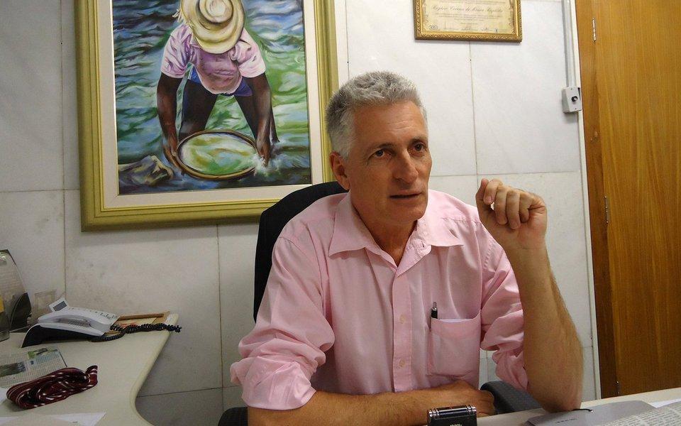 """O deputado estadual Rogério Correia (PT) afirmou que a crise entre o senador Aécio Neves (PSDB-MG) e o STF """"é responsabilidade do Senado golpista que não o cassou por pedir e receber propina""""; """"Protegeu o corrupto para que ajudasse a salvar Temer"""", disse; de acordo com o parlamentar, """"não podemos aliar com estes senadores e criticar esta decisão da Justiça""""; o petista afirmou que,""""se o Senado não agiu como deveria, a Justiça precisa ser feita"""""""