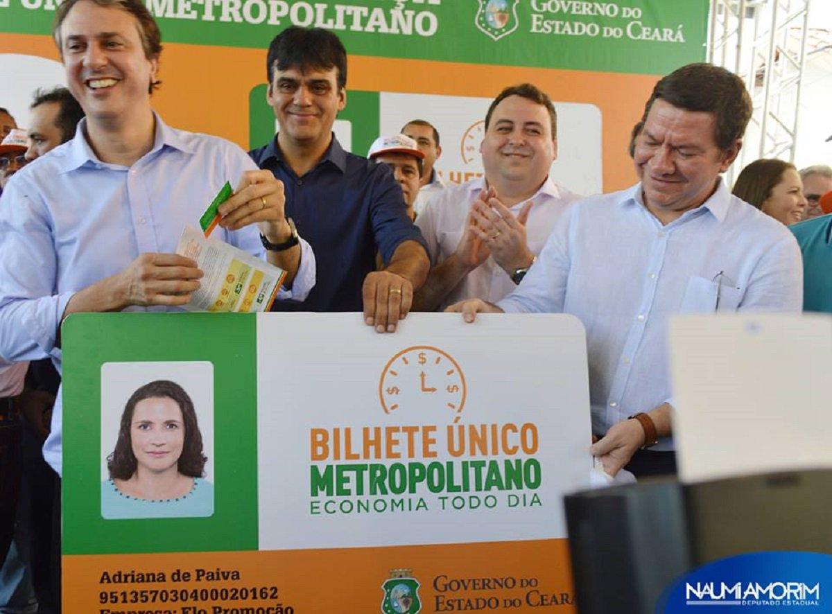 O Bilhete Único Metropolitano já tem 56 mil passageiros cadastrados, de 14 municípios da Região Metropolitana de Fortaleza que já realizaram mais de 3,5 milhões de viagens até março de 2017. O Bilhete Único foi lançado pelo governador Camilo Santana em junho de 2016