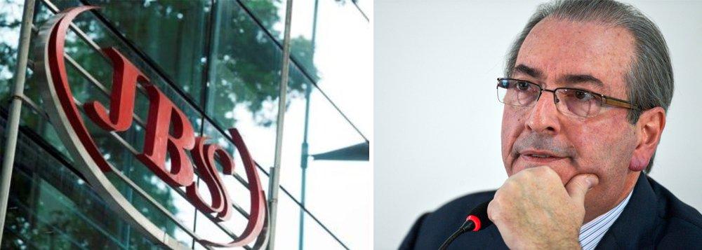 O Estadão publica hoje o que seriam as primeiras provas dos repasses de Joesley Batista a Eduardo Cunha. São registros da contabilidade, notas fiscais e contratos frios, com escritórios de advocacia, uma empresa de informática de Goiás e uma empresa de materiais de construção em Itaboraí, no Grande Rio