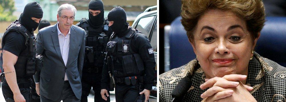 """""""Sai engrandecida Dilma Rousseff, absolvida de qualquer acusação de intratabilidade para com o congresso. Estes imundos que estão aí mereciam mesmo o desprezo da presidente e fica claro que o golpe não teve nada a ver com 'luta contra corrupção'. Sai na lama, mais ainda, Eduardo Cunha. Como dito por Jucá, ele nunca foi necessário. O bando de hienas da Câmara seria capaz de ter votado o impeachment da Dilma sozinho"""", diz o historiador Fernando Horta"""