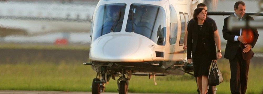A lista de voos de helicópteros do governo do Rio mostra que aeronaves pousaram e decolaram em Mangaratiba mesmo quando o ex-governador Sérgio Cabral (PMDB) estava em viagem no exterior; ao menos 81 voos para a casa de praia de Cabral foram feitos em datas nas quais ele estava fora do país em missão oficial ou a lazer; em junho de 2009, por exemplo, quando Cabral estava na China ao lado do empresário Eike Batista buscando atrair investidores para o porto do Açu, oito voos foram para Mangaratiba com helicópteros oficiais