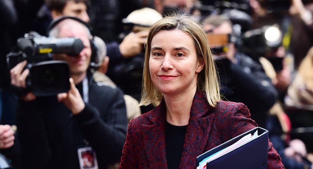 """""""Vimos que o trabalho em Astana liderado pela Rússia, Turquia e em menor grau pelo Irã levou a pelo menos algumas disposições do cessar-fogo e alguns mecanismos sobre o cessar-fogo, o que nós saudamos. E não só nós, mas também o Conselho de Segurança da ONU"""", disse Federica Mogherini,Alta Representante da UE para Política Externa e Segurança"""