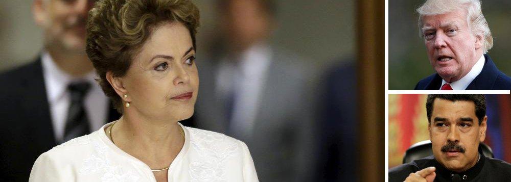 """Em uma entrevista para a televisão internacional, a presidente deposta Dilma Rousseff foi categórica ao analisar a ameaça de intervenção na Venezuela feita por Donald Trump: seria criminoso e extremamente prejudicial à região; """"Nós somos um continente que vive há mais de 140 anos em paz. Qualquer tentativa de interromper o processo legal e constitucional na Venezuela, antecipando eleições ou tentando outras formas quaisquer, para mim, é algo extremamente perigoso. Dará guerra civil. Não será aceito pacificamente pelo governo sair, entregar o poder à oposição"""", avalia a petista"""
