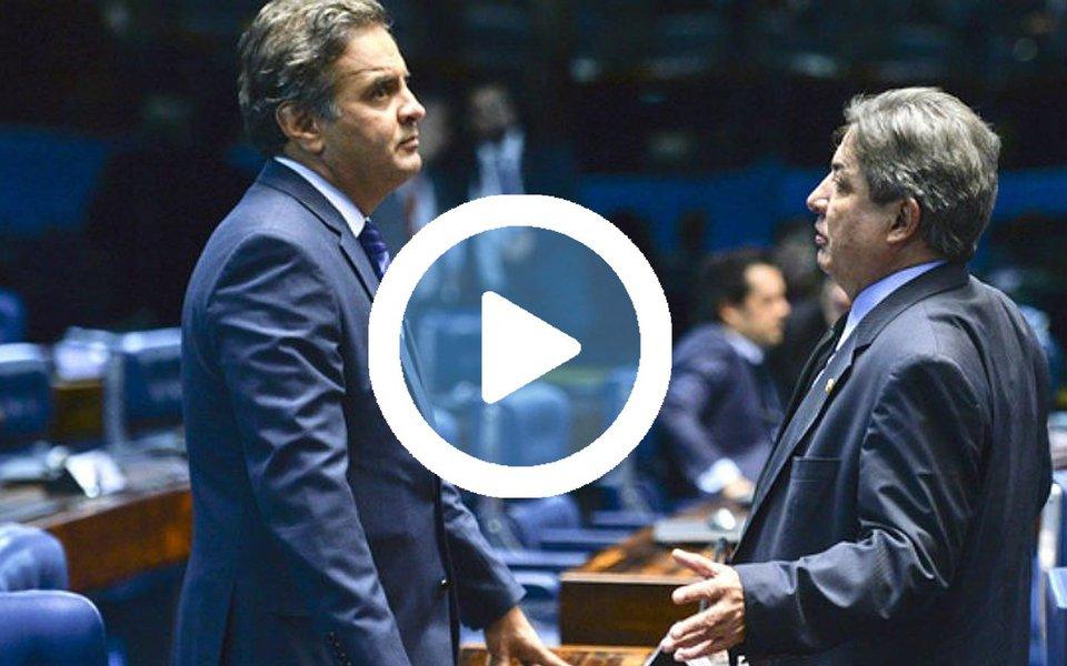 """Um novo trecho da gravação de uma conversa entre os senadores Aécio Neves (PSDB-MG) e Zezé Perrella (PSDB-MG) foi divulgado; Aécio telefonou a Perrella no dia 13 de abril para cobrir fidelidade do aliado e reclamar de declarações em uma entrevista; Perrella justificou suas falas com o caso do Helicoca: """"Qual a maneira que eu encontrei de rebater essas coisas que eles falam de mim do helicóptero até hoje?"""", afirma; e completa, adiante: """"Eu não faço nada de errado, eu só trafico droga""""; Aécio ri; confira o áudio e a transcrição publicados pelo Jornalistas Livres"""