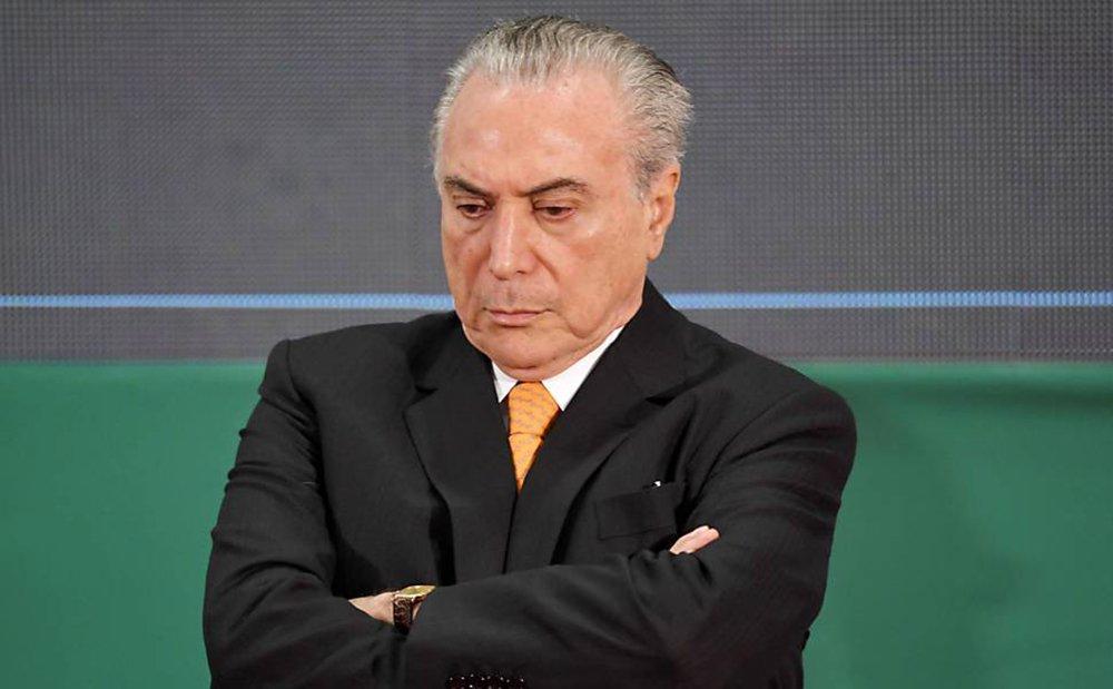 Caciques do DEM e do PSDB avaliam que com Lula na disputa em 2018, haverá mais pressão para rompimento com Michel Temer, cujos índices de rejeição popular continuam a bater recordes; dirigentes dos dois partidos admitem que as decisões estratégicas estão atreladas ao fator Lula; tucanos e democratas avaliam que se a condenação do ex-presidente não for confirmada em segunda instância até maio, as chances de a Justiça barrar sua candidatura depois são mínimas; com Lula no páreo, haverá forte pressão pelo rompimento da aliança com Temer, sobretudo entre parlamentares do Nordeste