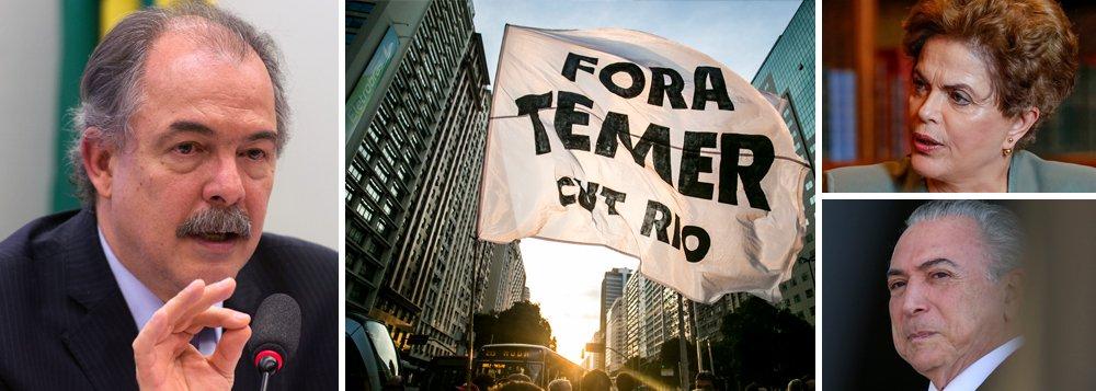 """Nesta quinta-feira (31), um ano do afastamento definitivo da presidenta eleita Dilma Rousseff do cargo, o 247 entrevistou o ex-ministro da educação, Aloizio Mercadante, para uma análise sobre o governo de Michel Temer; """"O preço do golpe, que afastou a presidenta Dilma sem crime de responsabilidade, é cada vez mais caro para o Brasil. Eles não foram capazes de recuperar a economia e vivemos o avanço de uma política fiscal ortodoxa, que aprofunda e prolonga a grave recessão e penaliza os mais pobres"""", diz;Mercadante aponta para um grave retrocesso nas conquistas históricas e uma grave situação, especialmente nas universidades federais, que já anunciaram que podem inclusive suspender atividades a partir de setembro"""