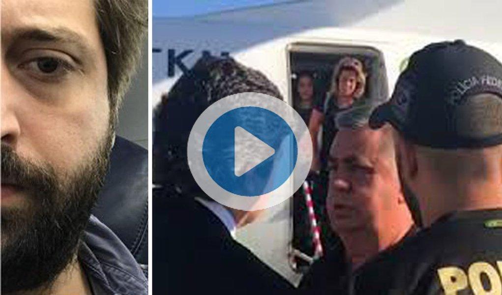 """O humorista e escritor Gregório Duvivier registrou o momento em que a Polícia Federal conduziu coercitivamente o presidente da Assembleia Legislativa do Rio (Alerj), Jorge Picciani (PMDB), no desembarque do aeroporto do Santos Dumont, na manhã desta terça-feira (14), no Rio de Janeiro;""""Chegando no Rio, recepção calorosa da PF"""", escreveu o colunista, que filmou Picciani sendo abordado por policiais ao deixar uma aeronave; o deputado Jair Bolsonaro (PSC) também registrou o momento"""