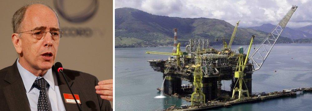 """Petrobras, comandada por Pedro Parente, vai acelerar a venda de seus ativos neste segundo semestre; nova etapa do """"feirão de Parente"""" foi confirmada nesta sexta-feira, 11, pelo diretor financeiro e de relações com investidores da Petrobras, Ivan Monteiro; """"Já levamos ao mercado informações como o IPO [abertura de capital, na sigla em inglês] da BR [Distribuidora], temos os gasodutos do Nordeste, o segmento de petroquímico, de biocombustíveis"""", disse Monteiro, em teleconferência com analistas para comentar desempenho da empresa referente ao segundo trimestre, que registrou lucro deR$ 316 milhões, 15% menos em relação ao mesmo período do ano passado"""
