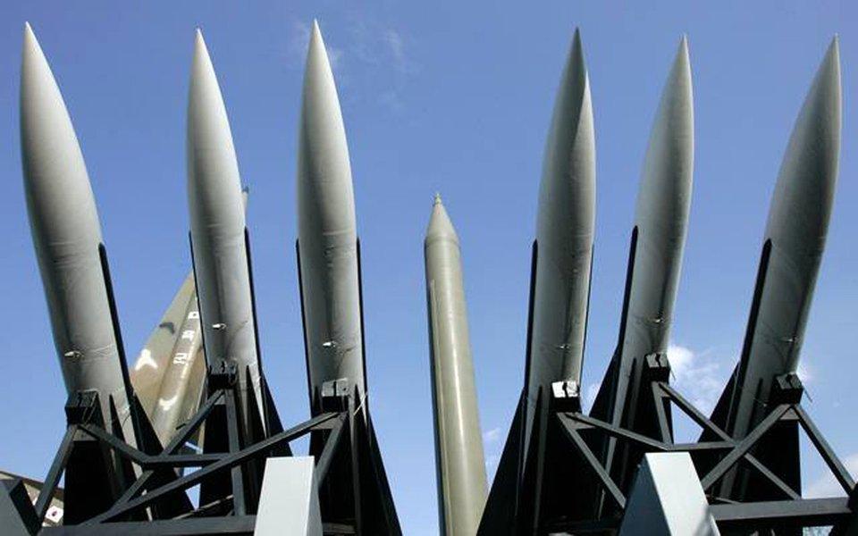 Brasil assinou Tratado para Proibição de Armas Nucleares, juntamente com outros 42 países; acordo impede que os Estados-parte desenvolvam, testem, produzam, adquiram, tenham ou estoquem armas nucleares ou qualquer outro dispositivo nuclear explosivo