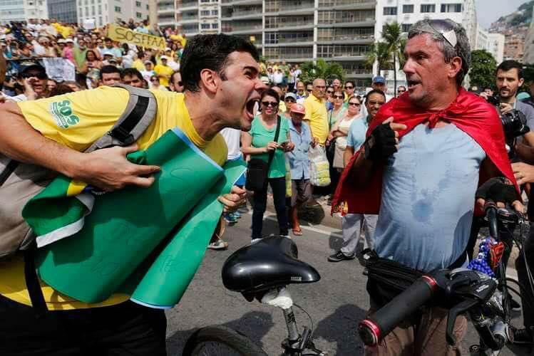 O governo de Minas Gerais lançou uma campanha que institucionaliza o discurso por mais diálogo e paz. Em tempos como esses, onde eclode o avanço de posições ultraconservadoras, abertamente preconceituosas, xenófobas e machistas, os democratas de verdade precisam dar o exemplo