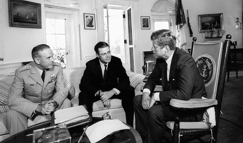 As autoridades norte-americanas estudaram a possibilidade de realizar uma sabotagem agrícola contra Cuba para destruir as colheitas do país através de armas biológicas, informou um dos documentos da era Kennedy, divulgados em 27 de outubro
