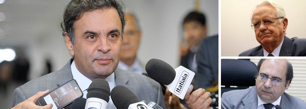 """O ex-ministro Carlos Velloso, advogado do senador Aécio Neves (PSDB-MG), político mais delatado na Lava Jato, desistiu de ser ministro da Justiça; ele, que também é advogado da Chevron, ligou para Michel Temer e comunicou sua desistência; agora, Aécio tenta emplacar na vaga o procurador mineiro José Bonifácio Borges de Andrada, que é o número 2 da PGR; no PMDB, Aécio vem sendo chamado de """"traidor"""", por tentar ocupar a Justiça com um aliado"""