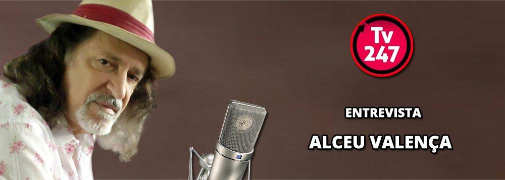 A TV 247 entrevista nesta tarde, às 15h, o cantor e compositorAlceuValença, um dos grandes nomes da música popular brasileira; o autor de clássicos como Morena Tropicana, Girassol, La Belle De Jour,que se apresenta hoje, a partir das 22 horas, na Áudio Club, em São Paulo, relembrará passagens dos mais de 40 anos de carreira, a experiência como cineasta, sem deixar de dar sua opinião sobre o atual momento político do país