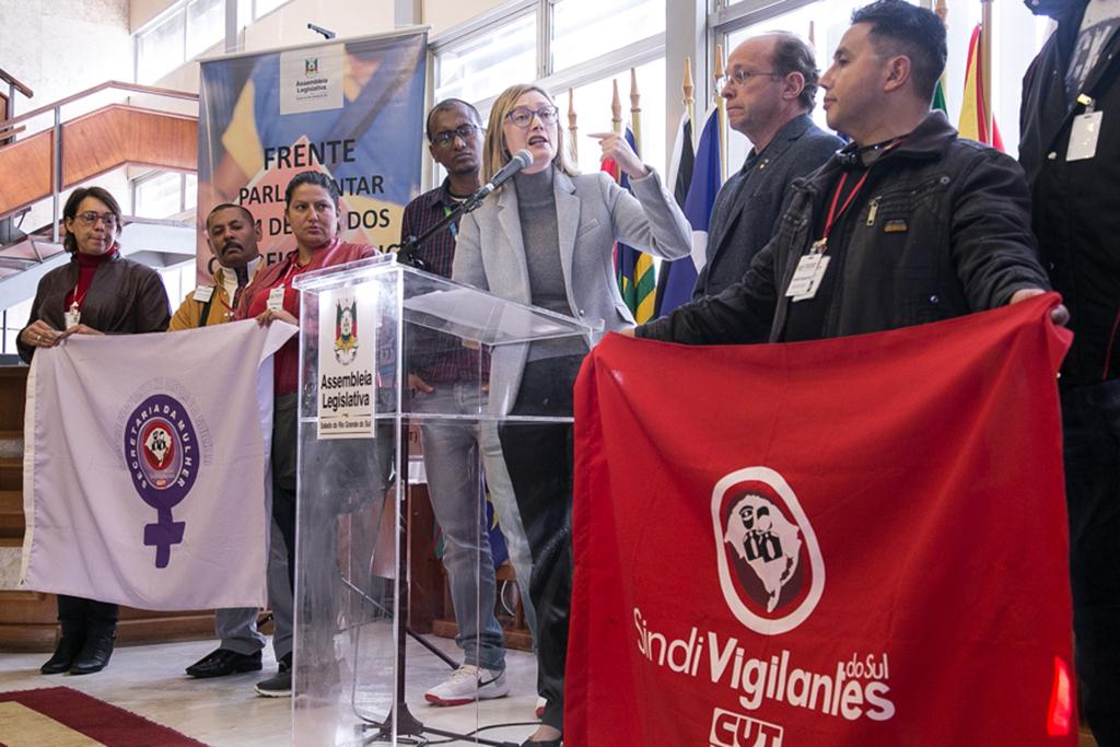 18/08/2017 - PORTO ALEGRE, RS - Lançamento da Frente Parlamentar em Defesa dos Correios no Salão Júlio de Castilhos da AL. Foto: Maia Rubim/
