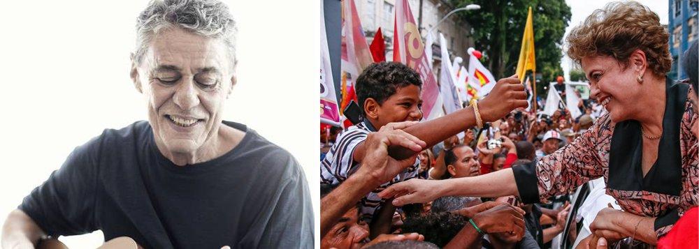 """A presidente deposta Dilma Rousseff vai usar o aniversário de um ano do golpe que a destituiu para bombardear Michel Temer e mostrar como sua ascensão foi ruim para o Brasil; Dilma se juntará a diversos artistas, entre eles o cantor Chico Buarque, para um ato na Rio; o encontro""""O Brasil um ano depois do golpe"""" pretende mostrar a agenda de retrocessos impostos por Temer e pela aliança golpista que o sustenta"""