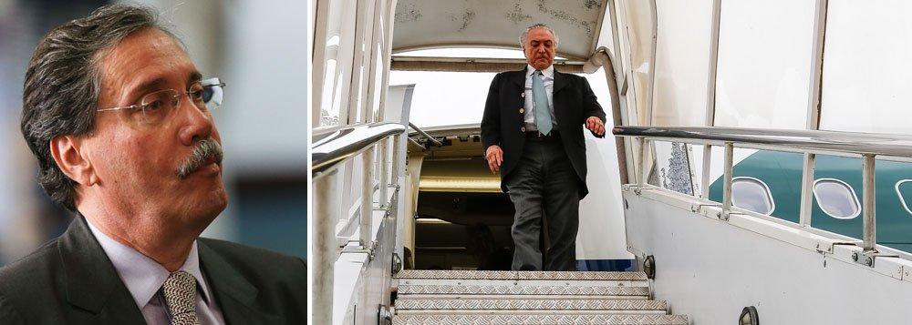 """""""Como se pode pensar que é possível voar num avião particular sem que haja um registro e ninguém ficar sabendo? Esse fato mostra a intimidade do presidente Temer com um empresário que está envolvido em muitos problemas"""", afirma Merval Pereira, em comentário na Globonews"""