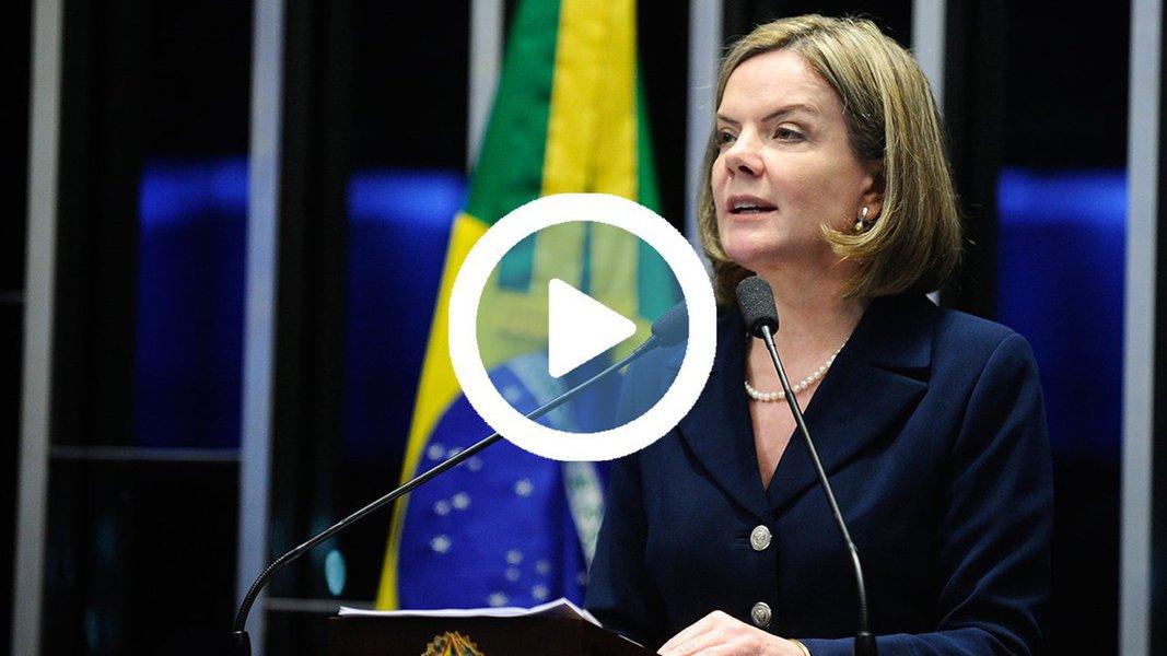 """Senadora Gleisi Hoffmann (PT-PR) disse que o ex-presidente Lula é """"vítima de perseguição sistemática no plano judicial"""" para impedir que dispute presidência da República; segundo a parlamentar, os responsáveis da Lava Jato estariam """"lucrando"""" em palestras para detalhar as acusações contra o petista; Gleisi afirmou ainda que as denúncias do MP de que Lula seria dono de um tripléx no Guarujá são infundadas; """"Como eles provam isso? Não provam, porque não há prova. Não há prova de que o presidente recebeu esse apartamento. Não há escritura, não há absolutamente nada""""; ao apresentar a denúncia contra Lula, no ano passado, um dos procuradores, Henrique Pozzobon, admitiu não existir """"prova cabal"""" de que o petista é """"proprietário no papel"""" do tripléx"""