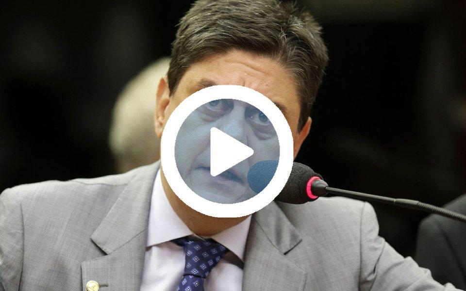 """Em vídeo, o deputado Wadih Damous (PT-RJ) lembrou um ano do início do processo de impeachment que tirou Dilma Rousseff do poder, completado nesta segunda-feira 17, e destacou a política foi hoje """"engolfada pelo Supremo Tribunal Federal, pela República de Curitiba e pela Polícia Federal""""; assista"""