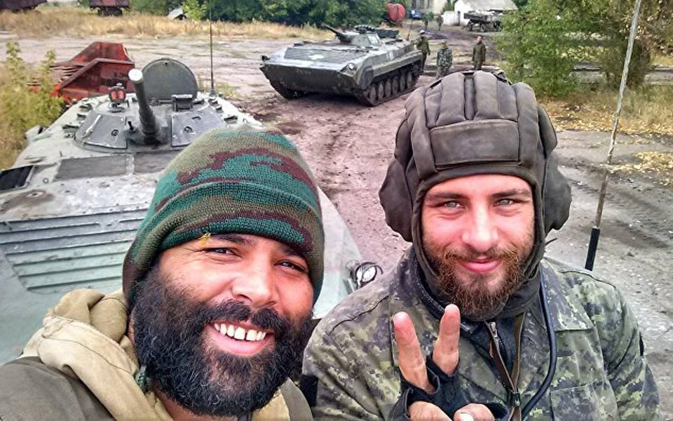 Tribunal de Kiev encontrou irregularidade na condenação de Rafael Lusvarghi a 13 anos de prisão e ordenou novo julgamento até dia 15; brasileiro continua preso e será julgado até 15 de outubro pelo mesmo crime; sSe isso não ocorrer dentro de nove dias, ele pode ser solto, informaram seus advogados; ele, proém, admite que entre setembro de 2014 e outubro de 2015 ter combatido ao lado das milícias das repúblicas autoproclamadas de Donetsk e Lugansk contra exército ucraniano, o que pela lei da Ucrânia é caracterizado como ato terrorista