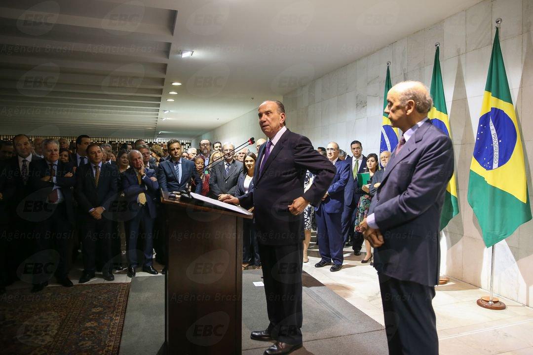 Segundo o arranjo político criado por Michel Temer, que destinou o MRE para a esfera de influência do PSDB, não existe qualquer alternativa senão homens, brancos, em sua maior parte do Centro-Sul, citados na Lava-Jato e – pelo visto – misóginos