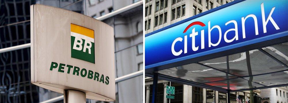 A Petrobras informou nesta terça-feira que efetuou uma operação de pré-pagamento de dívida com o Citibank, no valor de 500 milhões de dólares e vencimentos previstos para 2017 e 2018, e que simultaneamente realizou a contratação de novo financiamento com a instituição, no mesmo valor, com prazo de vencimento em 2022 e sem garantias reais