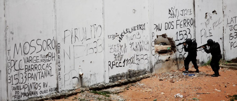 Polícia invade penitenciária de Alcaçuz (RN) após 13 dias de motim que resultaram em 26 mortes