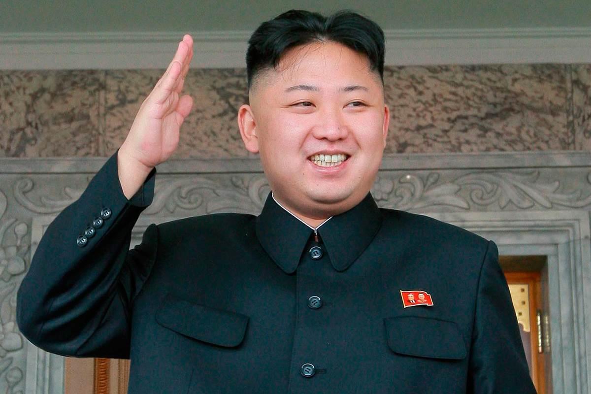 """O ditador da Coreia do Norte, Kim Jong-un, enviou neste sábado uma mensagem de felicitação ao governo de Cuba pelo 58º aniversário da Revolução, que na ilha é celebrado em 1º de janeiro; kim enviou parabéns aos cubanos e ratificou """"o respaldo e solidariedade da República Democrática Popular de Coreia com o processo revolucionário cubano"""", Kim afirmou que seu país está convencido de que as relações com Cuba """"se fortalecerão e se desenvolverão sem cessar, no caminho pela vitória da causa de independência anti-imperialista e a do socialismo"""""""